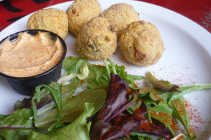 henrys-louisiana-grill-north-main-street-acworth-ga-hushpuppies