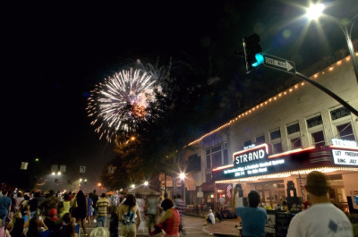 earl-smith-strand-theatre-fireworks-117-north-park-square-marietta-ga-johnny-walker-photography