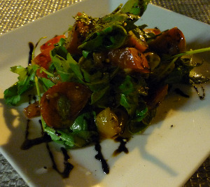 terrace-on-peachtree-ellis-hotel-176-peachtree-street-nw-atlanta-ga-local-heirloom-tomato-mozzarella-salad
