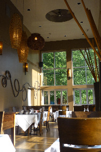 ten-degrees-south-4183-Roswell-Road-NE-Atlanta-ga-30342-interior