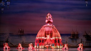 Atlanta-Ballet-Nutcracker-matrushka-Photo-by-c-McCullers-december-2010