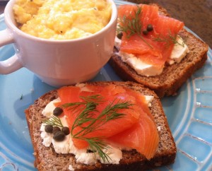cafe-jonah-magical-attic-souper-jenny-3188-paces-ferry-place-atlanta-ga-smoked-salmon-tartine-cheesy-grits