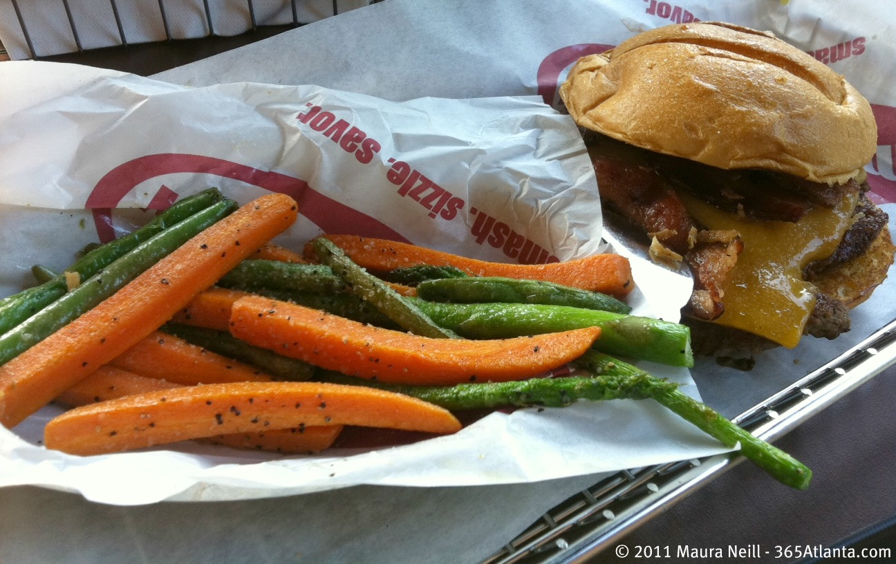 smashburger-9775-medlock-bridge-road-johns-creek-ga-atlanta-bbq-bacon-burger-veggie-frites