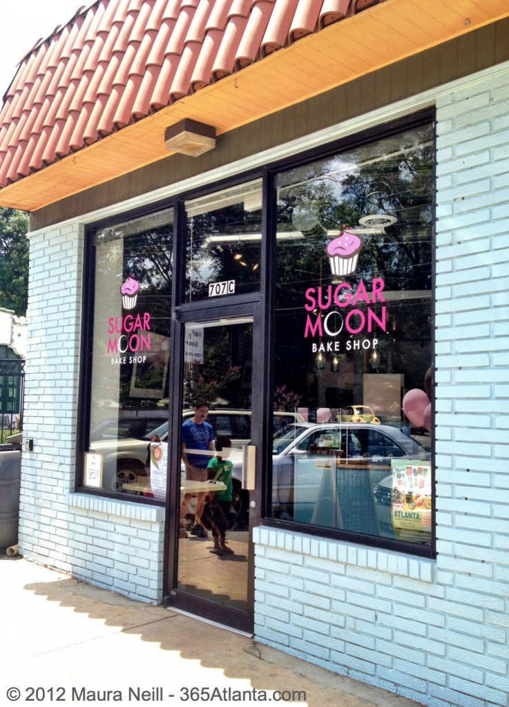 sugar-moon-bake-shop-cupcakes-707-east-lake-drive-oakhurst-atlanta-ga