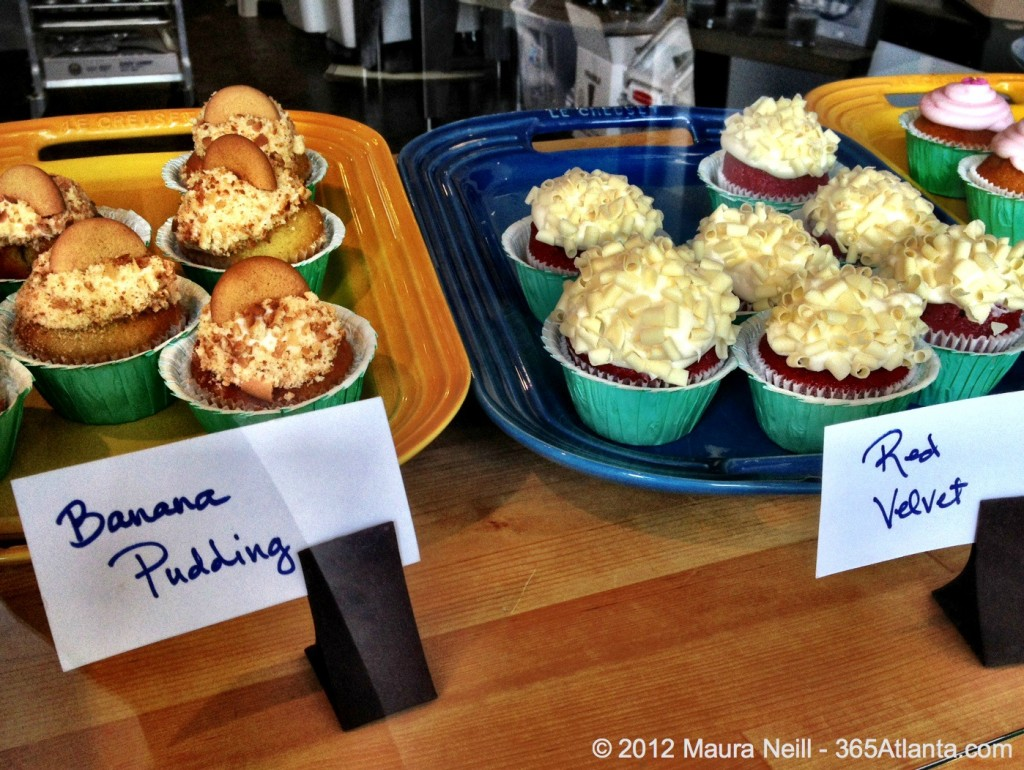 sugar-moon-bake-shop-cupcakes-707-east-lake-drive-oakhurst-atlanta-ga-banana-pudding-red-velvet